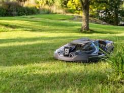 Choisir un robot tondeuse pour une grande surface